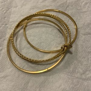Accessories - 4 set locked bangles